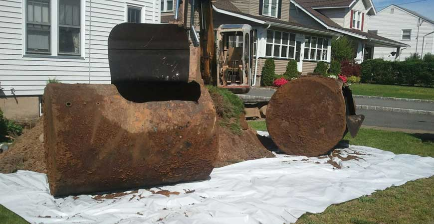 Underground oil tank removal job site : Steve Rich Environmental Contractors
